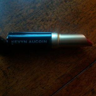 Kevyn Aucion The Matte Lip Colour in Eternal || Tuesday Reviews Day 29-11-2016 || raeritchie.com