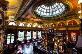 Inside The Old Joint Stock pub, Birmingham || #FiveThingsSaturday Art & Architecture in Birmingham || 28-01-2017 || raeritchie.com